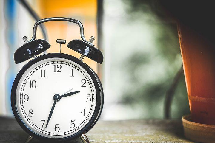 アメリカ生活 労働時間を比較│日本とアメリカの休日数や残業時間